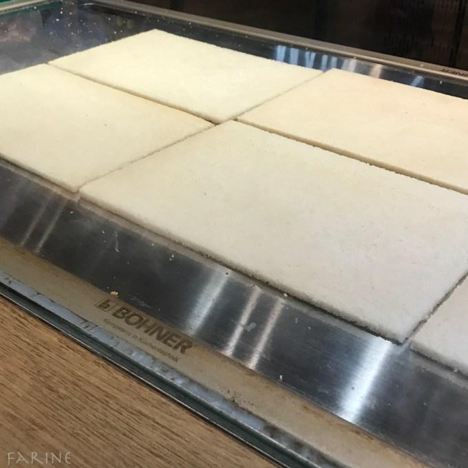 Maki bread toasting