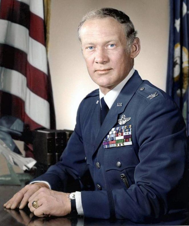 Buzz Aldrin Fotoğraf Renklendirme