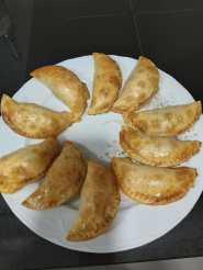 Empanadillas al horno con pimientos asados y caballa
