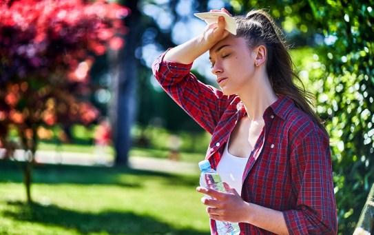 Le soluzioni reidratanti per prevenire la disidratazione in estate