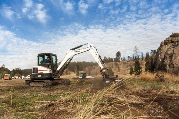 Precision control boosts productivity on Bobcat E55 compact excavator
