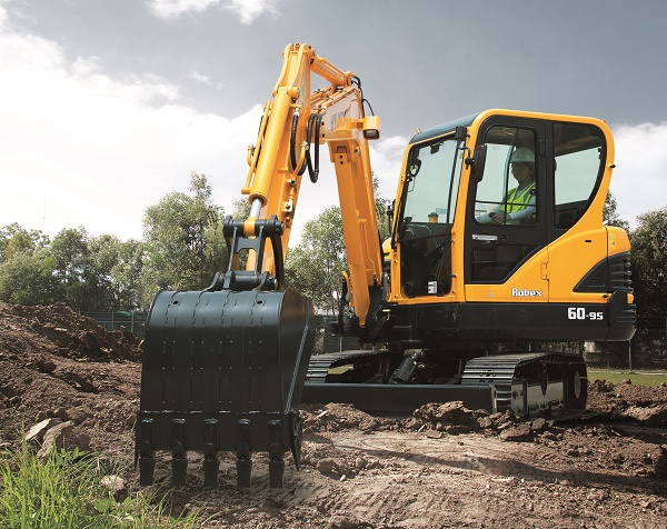 HPE Africa showcases its versatile range of Hyundai earthmoving equipment at the Nampo 2018