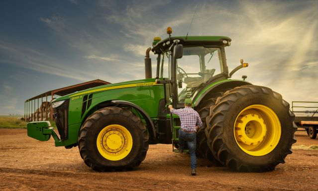 John Deere aftermarket parts service delivers real solutions in real time