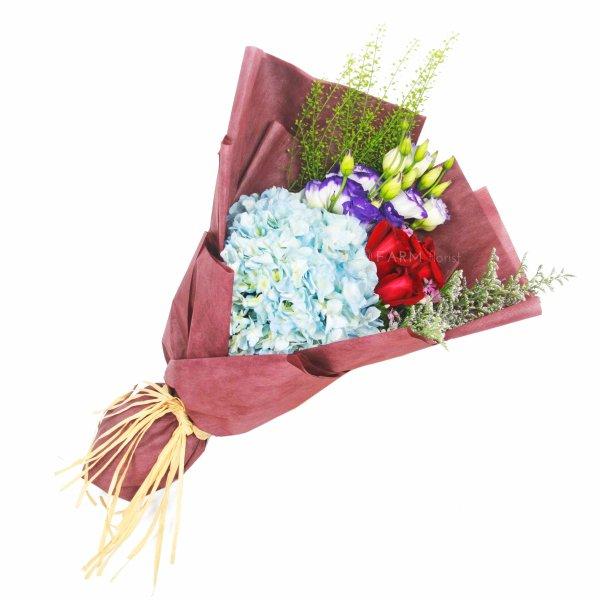 elaine lying bouquet by farm florist singapore