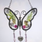 BANBERRY-DESIGNS-Mom-Butterfly-Suncatcher-Grandma-Butterfly-Suncatcher-Set-of-2-Pressed-Flower-Sun-Catcher-Each-One-Has-an-Engraved-Silver-Heart-Charm-0-2