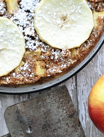 Fresh and Festive eZine Apple Bourbon Cake | farmgirlgourmet.com #stemilt #freshfestive
