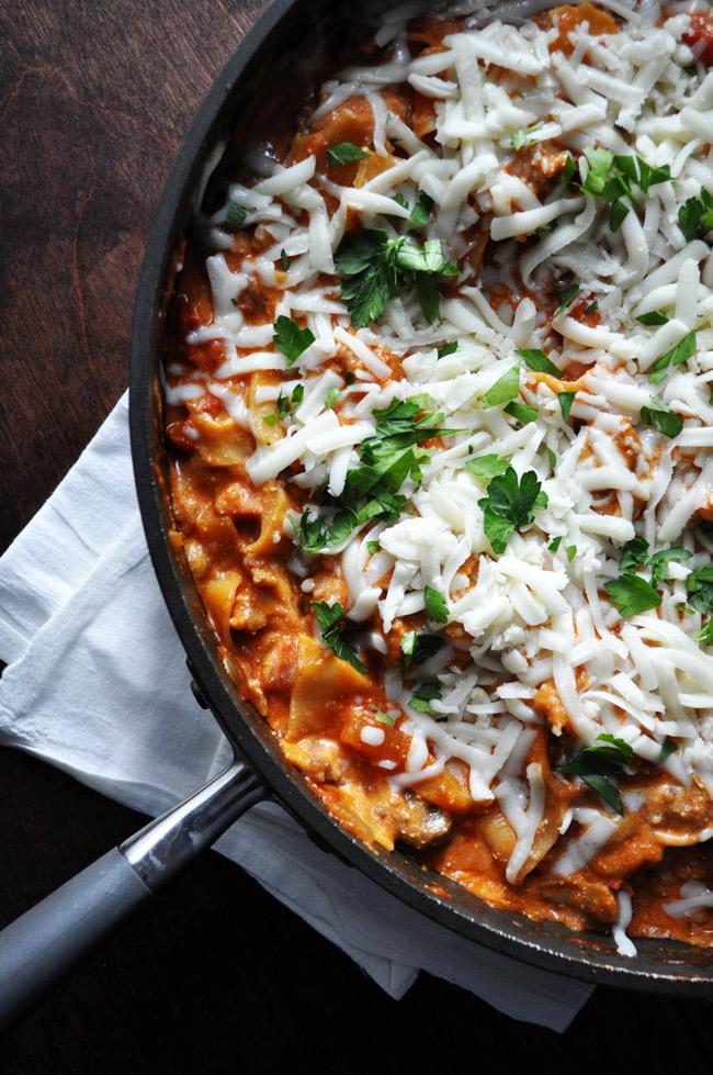 Easy Cheesy Skillet Lasagna   farmgirlgourmet.com #lasagna #weeknightmeal #dinnerinunder30