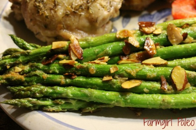 Paleo Seasoned Almond Asparagus
