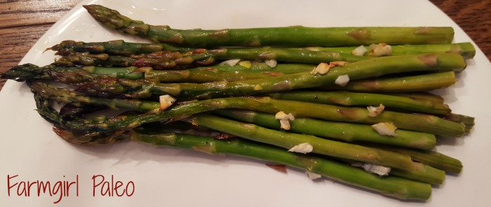 Paleo Roasted Garlic Asparagus