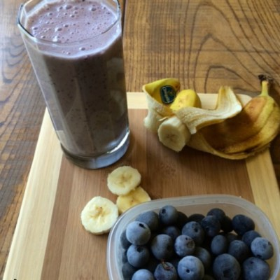 2 Minute Blueberry Banana Protein Smoothie