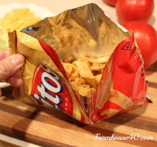 taco-recipe-fritos-bag-@farmhouse40.com