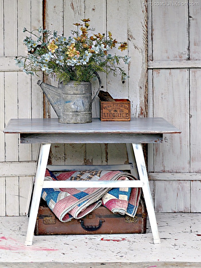 Perfect-Weathered-Gray-Wood-Finish-Petticoat-Junktion-furniture-project_thumb