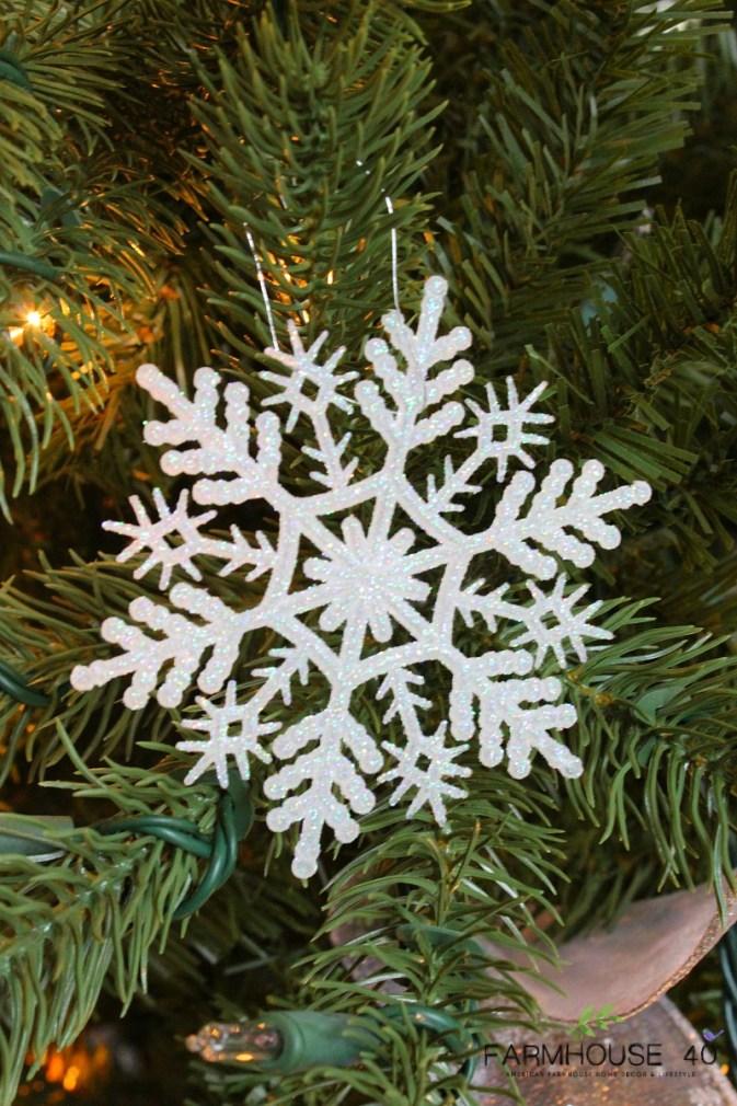 christmas-tree-snowflakes