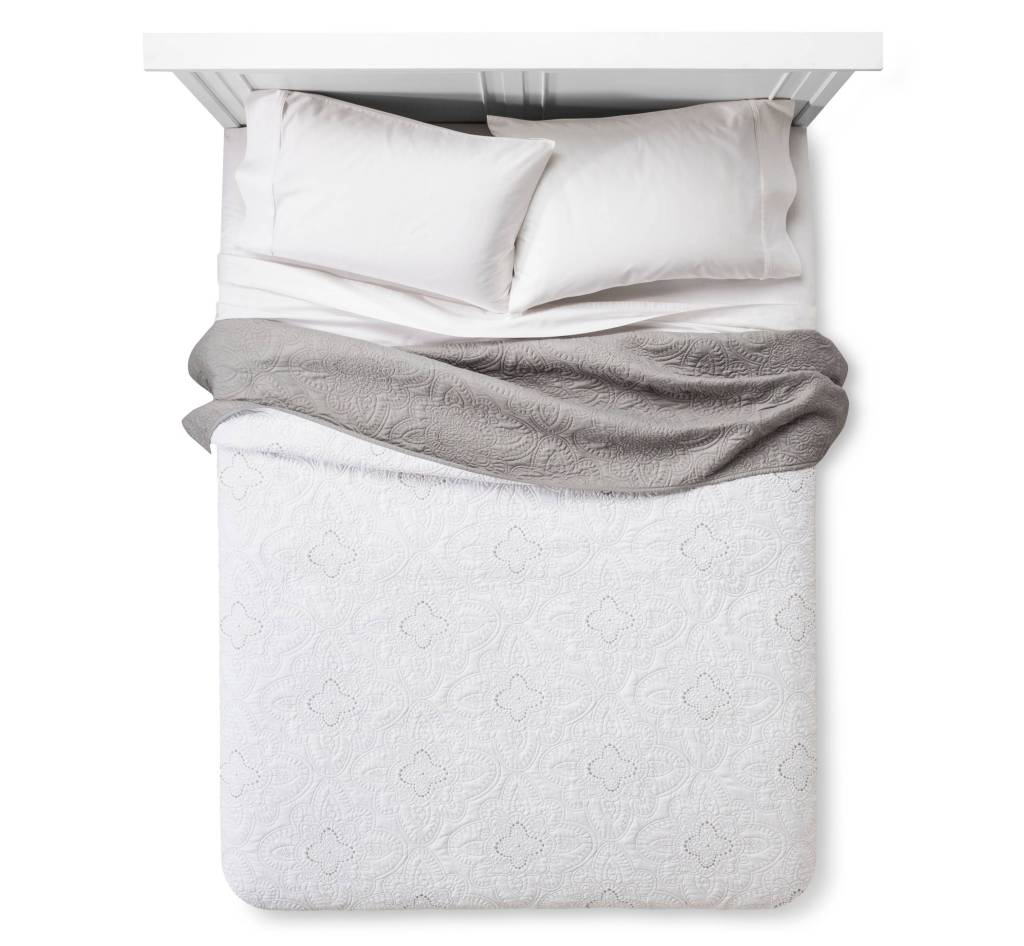 White Gray Madallion Quilt Guest Bedroom decorating