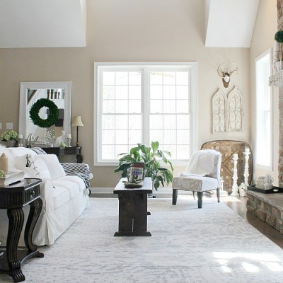 Harmony at Home: Rustic and Modern Working Together