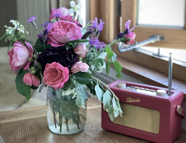 flowers and roberts radio