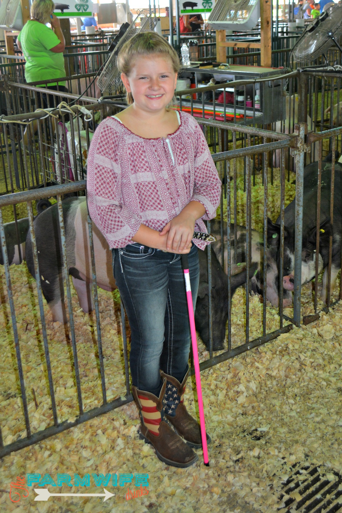 4-Her with her pig