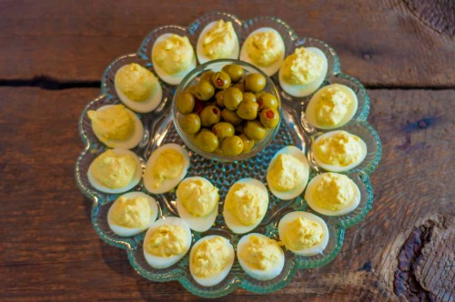 Deviled Eggs With A Kick - super easy to make