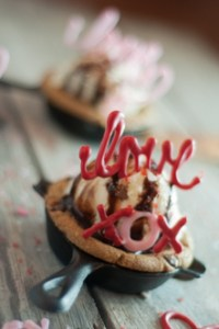 These Love Note Skillet cookies will make your sweetheart happy any time of the year, but are super easy and special on Valentine's Day!