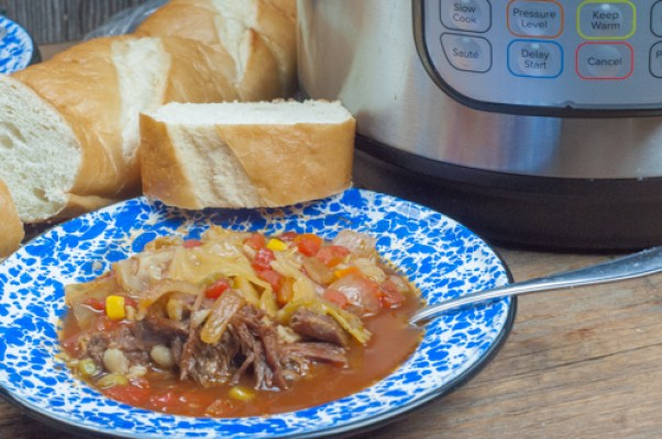Instant Pot Beef and Barley Vegetable Soup from Farmwife Feeds #recipe #soup #beef #barley #vegetablesoup