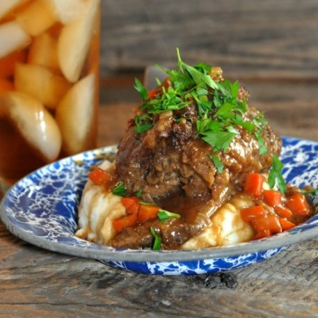 Braised Beef Short Ribs with gravy recipe for Dutch Oven by Farmwife Feeds #beef #recipe #ribs
