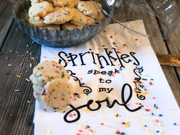 Princess Shortbread Cookies from Farmwife Feeds is a classic shortbread cookie full of sprinkles and a light lemon fresh flavor. #cookie #shortbread #sprinkles #princessflavoring