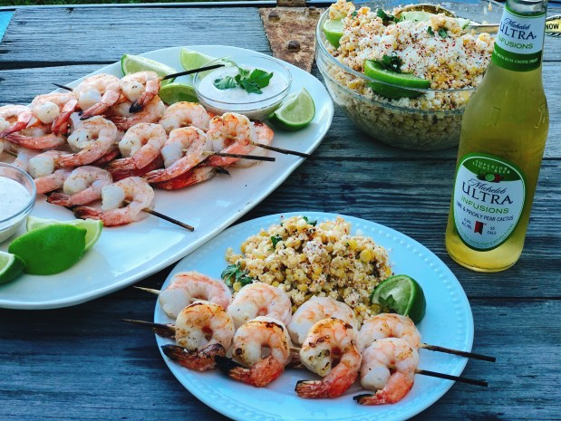 Lime Grilled Shrimp with Creamy Dipping Sauce from Farmwife Feeds is a simple grilled meal perfect for warm summer evenings. #shrimp #grill #lime