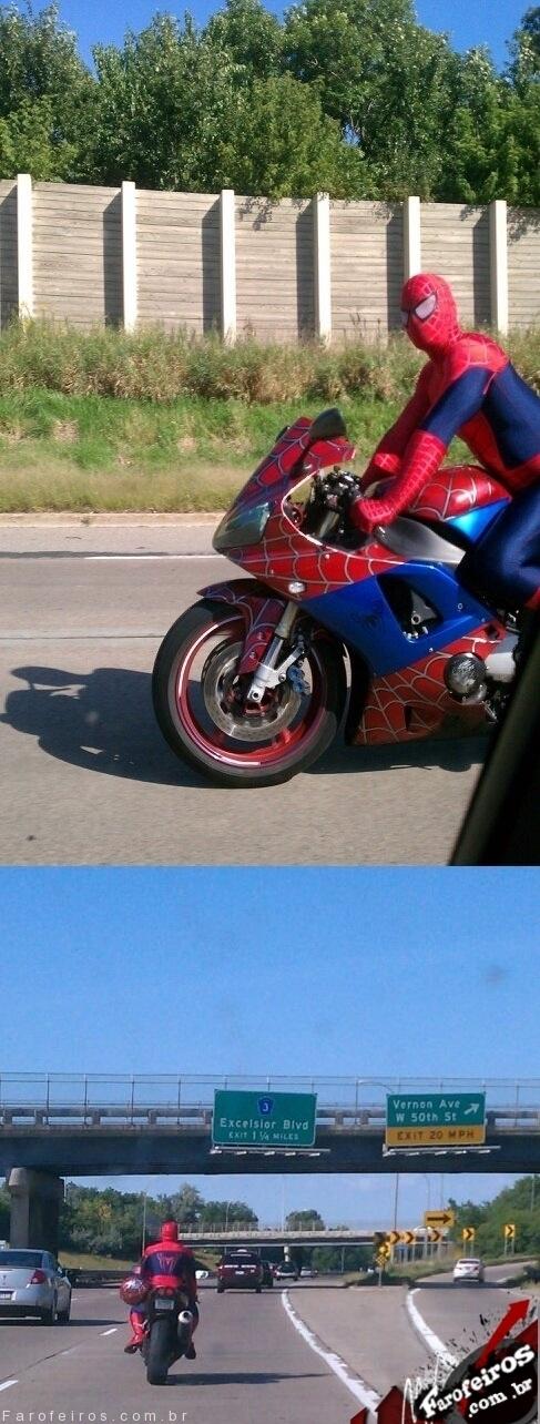 Hoje indo para o trabalho vi o Homem Aranha
