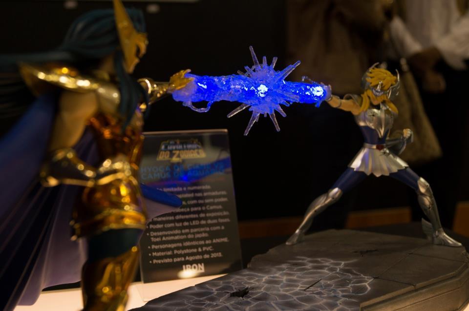 Cavaleiros do Zodíaco - Hyoga vs Camus - Iron Studios - Blog Farofeiros