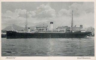 O Baependi era um navio com mais de quarenta anos de serviços prestados ao Brasil. Tinha o nome de Tijuca e fora construído em 1899, nos estaleiros da Blohm & Voss, de Hamburgo. Por dezenas de vezes atracou no porto de Santos trazendo emigrantes alemães, russos, poloneses, ou bálticos e na volta, carregava café e algodão destinados ao mercado europeu.