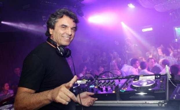 Raul Boesel no comando das pick-ups em Curitiba. Ex-piloto foi um dos que, ao menos, tentou salvar a tragédia da transmissão da Rede Globo durante o GP (UOL)