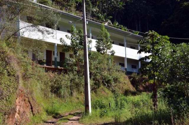 Prefeitura irá demolir antigo prédio da escola Julia Strazalkowska  (Eraldo Schnaide)