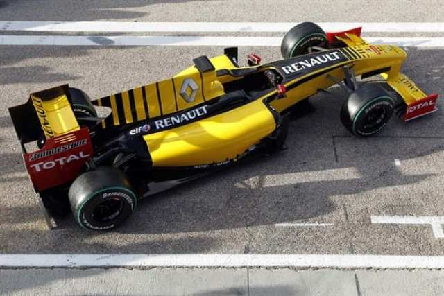 """Último carro """"puro-sangue"""" Renault em 2010. Descontentamento com a Red Bull pode levar franceses a retomar o comando da equipe, hoje Lotus (LAT)"""