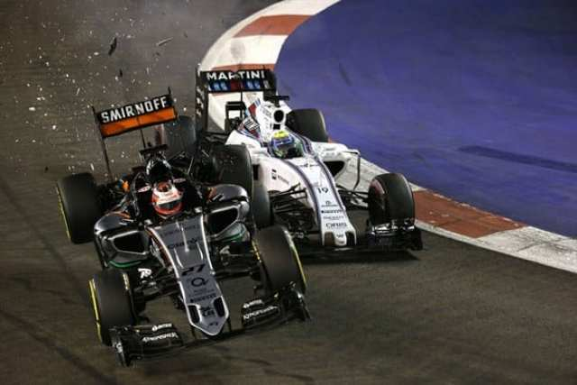 Massa e fechado por Nico Hulkenberg na saída dos boxes. O alemão da Force India bate e abandona. Massa teve um fim de semana difícil e abandonaria voltas depois, com problemas no cambio (AP)