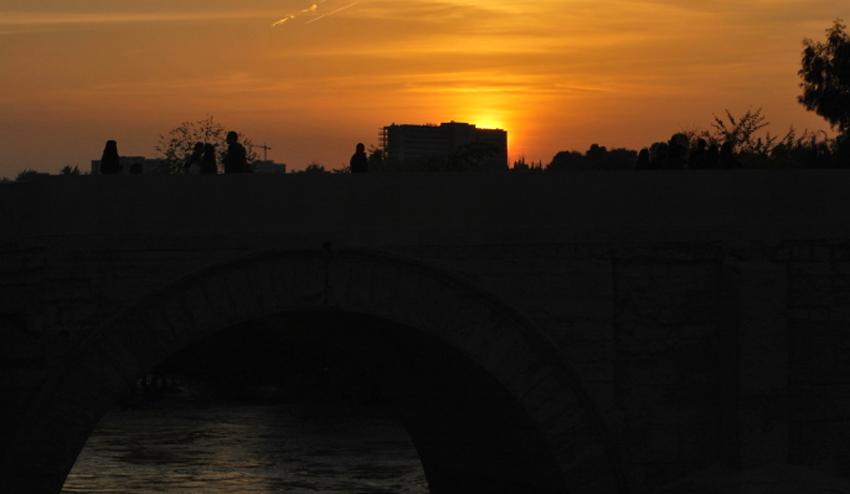 por do sol no Rio Guadalquivir em Córdoba