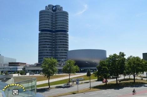 BMW, prédio da sede e museu - Munique