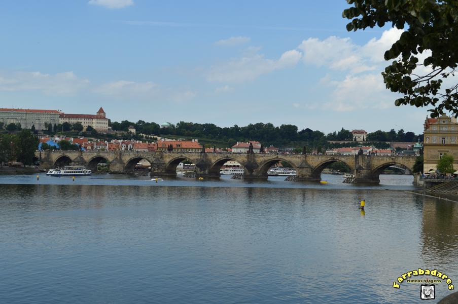 Praga e a famosa Ponte Carlos