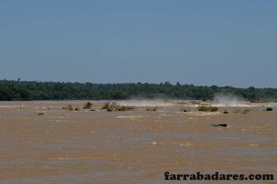 Parque Nacional do Iguaçu - Rio Iguaçu e o início da queda