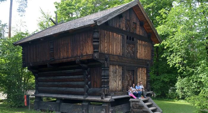 Oslo - Holmenkollen, Parque Vigeland e o Museu Folclórico