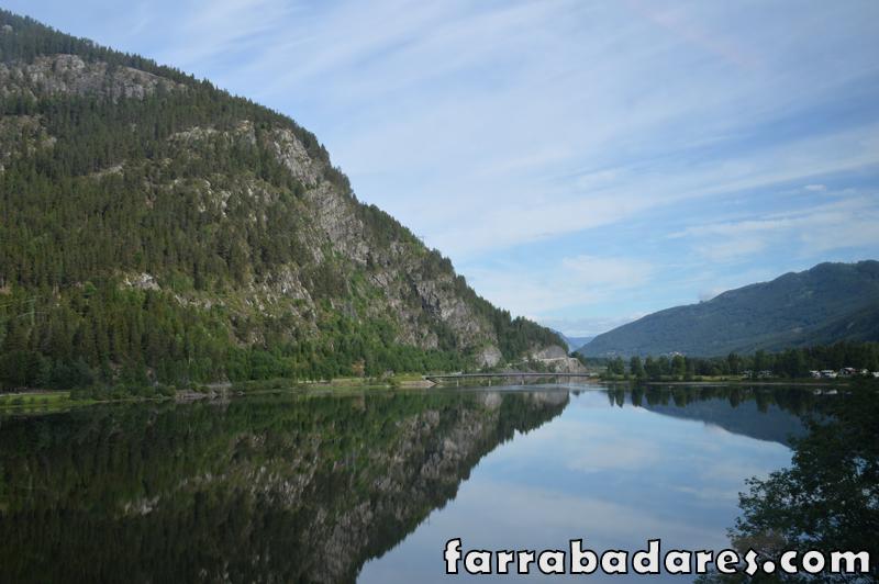 Noruega - lindas paisagens a caminho de Flam, no trem entre Oslo e Myrdal
