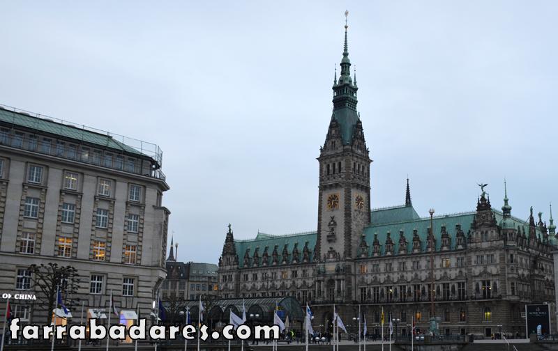 O belo prédio da Prefeitura de Hamburgo.