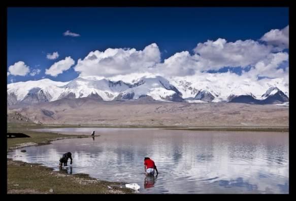 Travel to Karakul Lake in Xinjiang, China