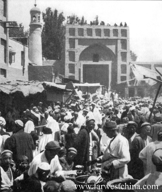 Kashgar's Id Kah Mosque circa 1936