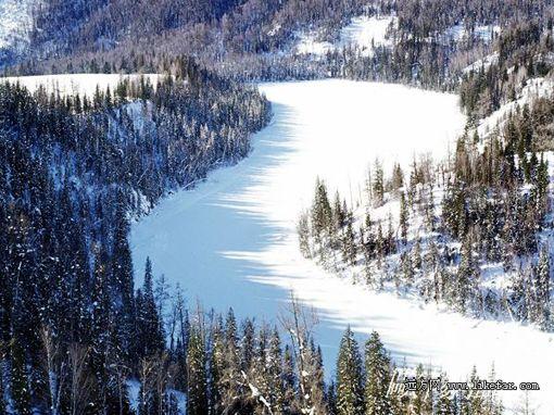 Xinjiang's Kanas Lake during the winter