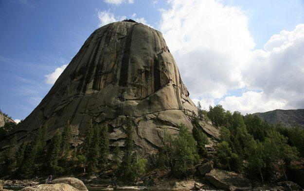 The mountain of God in Xinjiang's Keketuohai National Park