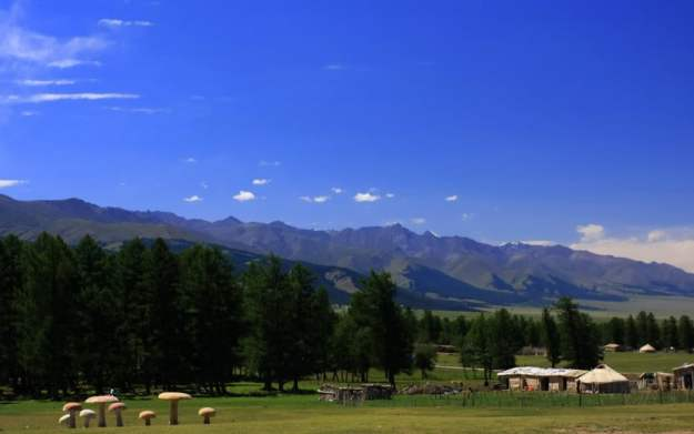 The beautiful Barkol Grasslands north of Hami