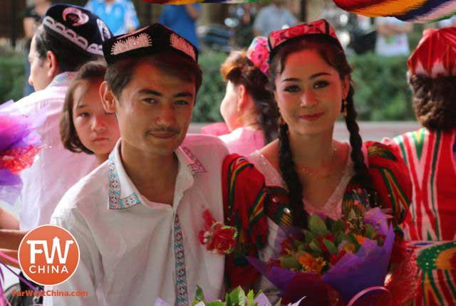 The Day I Ran Across a Mass Uyghur Wedding in Turpan