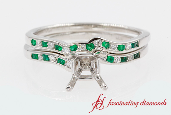 Semi Mount Wedding Ring Set With Emerald In 18K White Gold