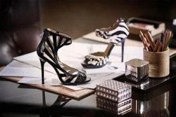 Jimmy Choo designed für H&M © H&M