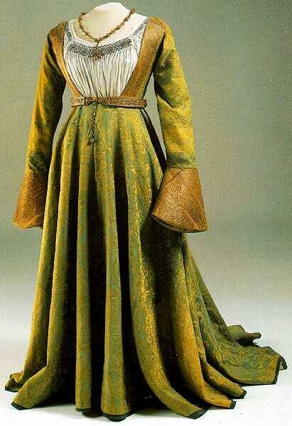 17th century fashion dress